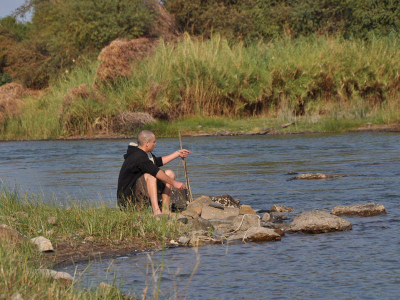 People like us safaris fish the eastern cape tours for Hand line fishing